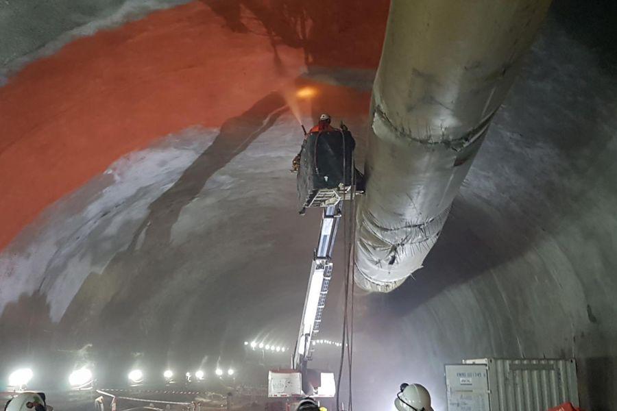 Installing waterproofing liner